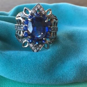 Jewelry - Unique blue & white sapphire ring